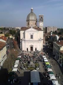 #ConDividiamo - la piazza di Desio, domenica, dall'alto
