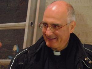 don Roberto Davanzo in occasione della presentazione dell'Edicola di Caritas in Expo