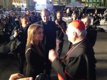 Il cardinale Scola con la cantante libanese Tania Kassis