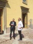 Massimo Bottura all'esterno del Refettorio AMbrosiano, in piazza Greco a Milano
