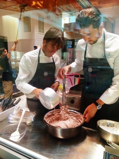 Davide Oldani e Andrea Berton ai fornelli del Refettorio Ambrosiano