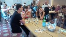 Giovanni e Lea sono i volontari dell'Edicola Caritas che avevano accolto il presidente del Clud des Chefs des Chefs quando era nata l'idea della giornata